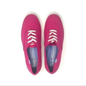 Ked's Fuschia Champion Canvas Lace Up Sneakers US9